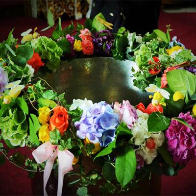 ecor-cristelnita-cu-flori-vesele,-multicolore