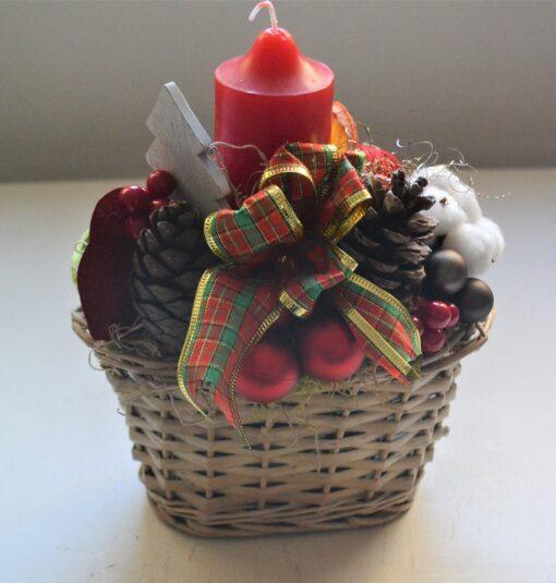 Aranjament Crăciun în coșuleț de răchită
